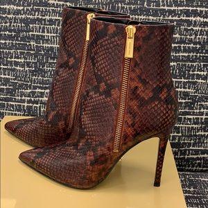 Michael Kors Keke Booties Embossed leather(NWT)